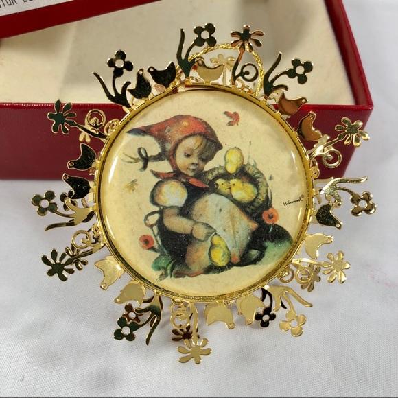 Vtg Hummel 1988 Chick Girl Gold Christmas Ornament